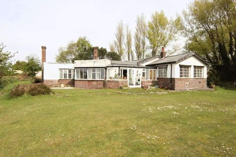 4 Bedrooms Detached Bungalow for sale in Banks Road, Heswall, Wirral