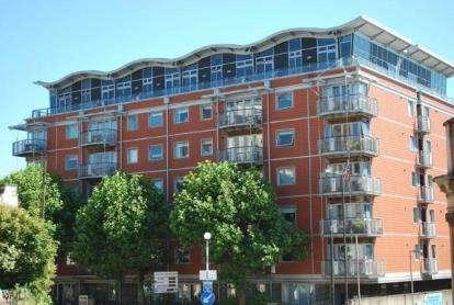 2 Bedrooms Flat for sale in The Panoramic, 30 Park Row, Bristol