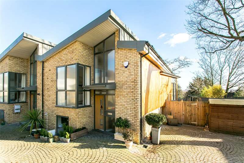 3 Bedrooms Semi Detached House for sale in Royal George Mews, London, SE5