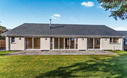 3 Bedrooms Bungalow for sale in Mawnan Smith, Falmouth, Cornwall