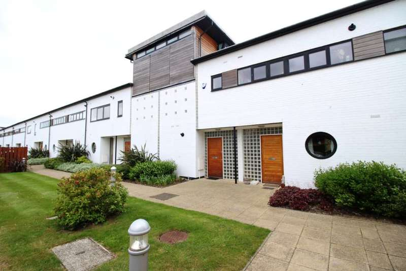 2 Bedrooms House for sale in Whitney Close, Ipswich