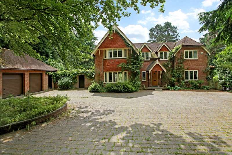 5 Bedrooms Detached House for sale in Wheatsheaf Enclosure, Liphook, Hampshire, GU30