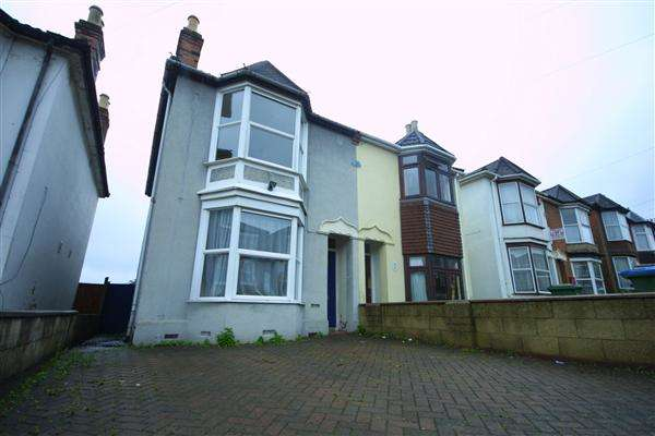 4 Bedrooms Semi Detached House for sale in Broadlands Road, Southampton