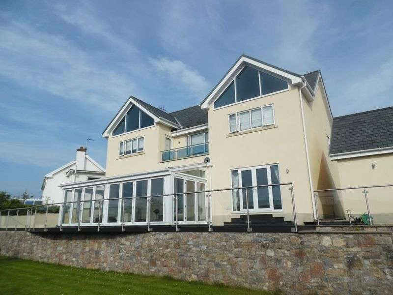4 Bedrooms Detached House for sale in Fox House Penylan Road St Brides Vale of Glamorgan CF32 0SB