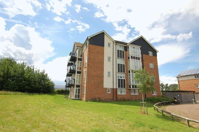 2 Bedrooms Flat for sale in Bridgland Road, Purfleet