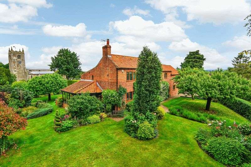 5 Bedrooms Detached House for sale in Long Street, Foston, Grantham