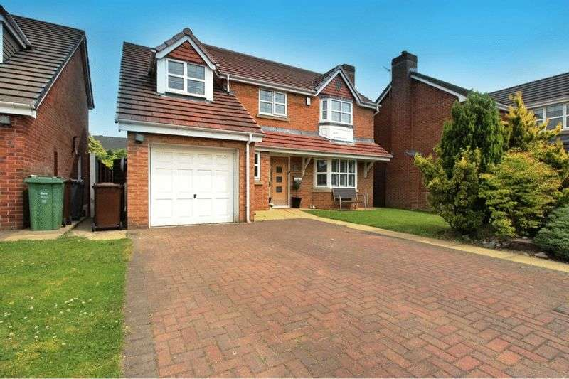 5 Bedrooms Detached House for sale in Highmeadow, Radcliffe, Manchester