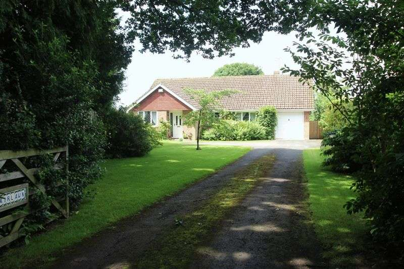 4 Bedrooms Detached Bungalow for sale in Leigh