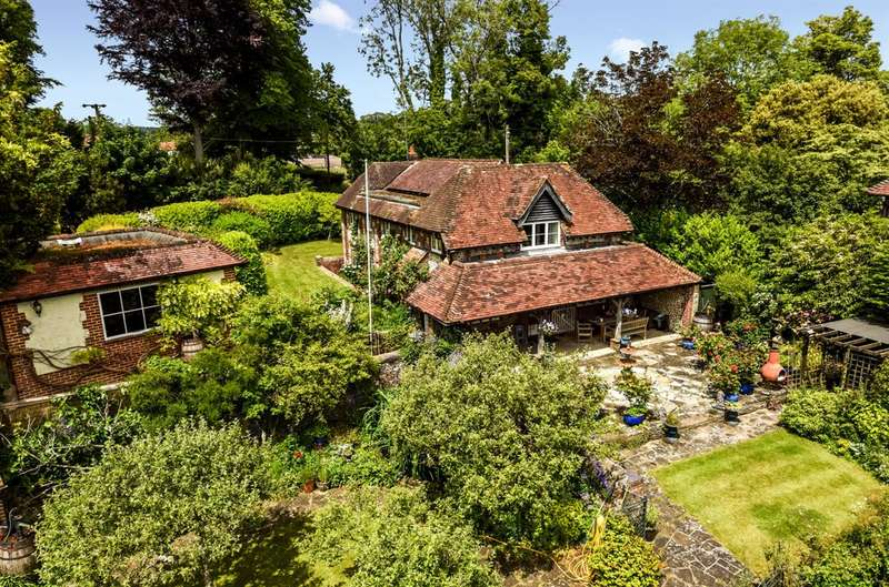 4 Bedrooms Detached House for sale in Madehurst