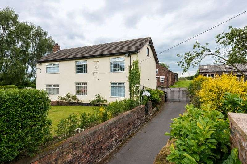 5 Bedrooms Detached House for sale in Blundells Lane, Rainhill