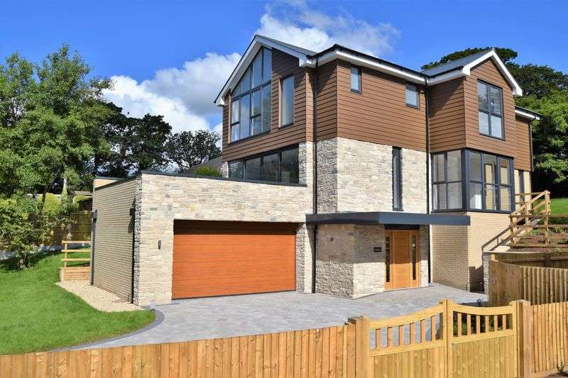 4 Bedrooms Detached House for sale in Valley Road, Swanage