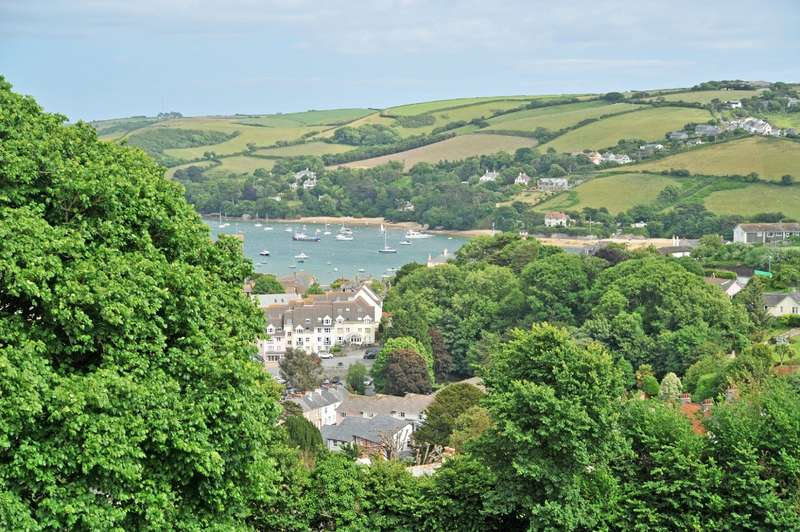 4 Bedrooms Detached House for sale in Chase House, McIlwraith Road, Salcombe