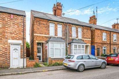 3 Bedrooms Semi Detached House for sale in Halford Street, Thrapston, Kettering, England