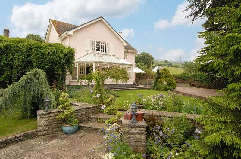 3 Bedrooms Detached House for sale in Tretower, Crickhowell