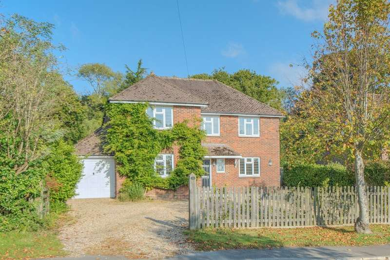 5 Bedrooms Detached House for sale in Torton Hill Road, Arundel