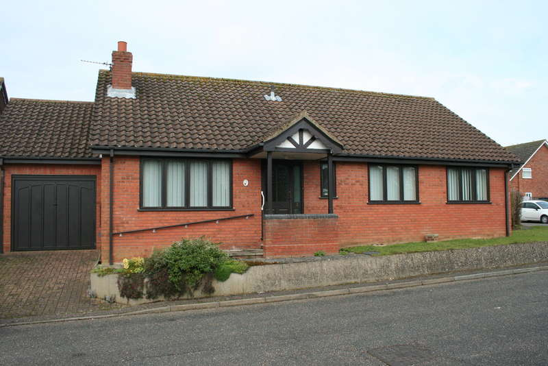 3 Bedrooms Detached Bungalow for sale in CRINGLEFORD, NORWICH NR4