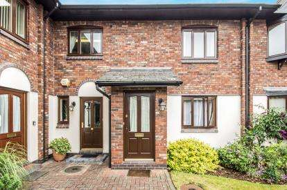 3 Bedrooms Flat for sale in Finings Court, The Maltings, Leamington Spa, The Maltings