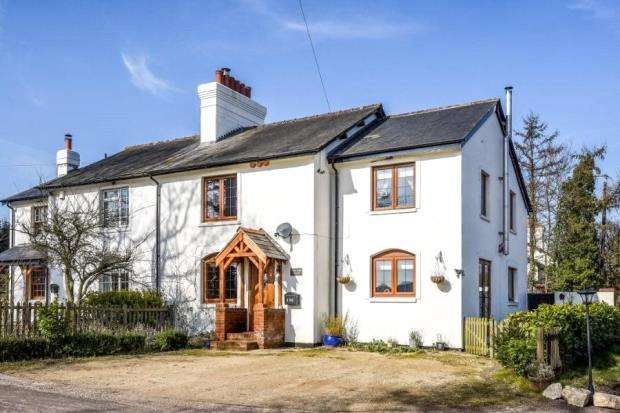 3 Bedrooms Semi Detached House for sale in 196 Breach Farm Cottages, Dummer, Basingstoke, RG25 2AX