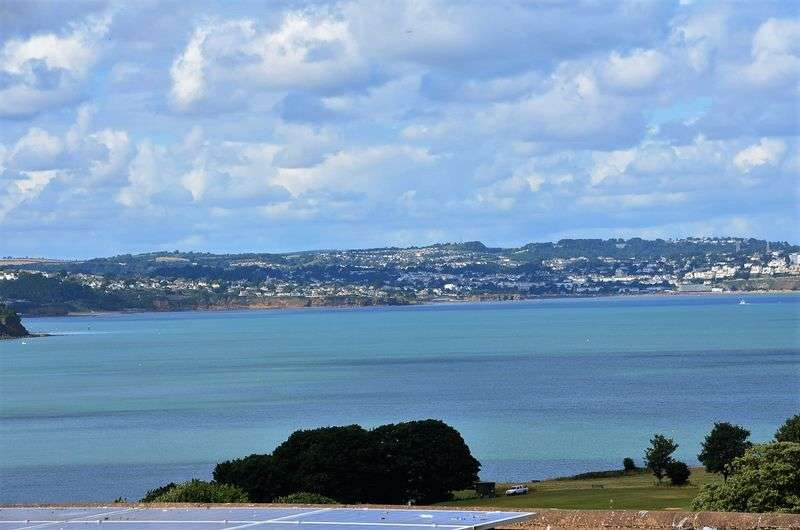 5 Bedrooms House for sale in STONE PARK, BROADSANDS, PAIGNTON.