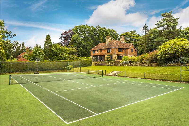 5 Bedrooms Detached House for sale in Fielden Road, Crowborough, East Sussex, TN6