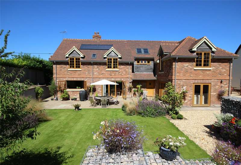 4 Bedrooms Detached House for sale in The Street, Upper Farringdon, Alton, Hampshire, GU34