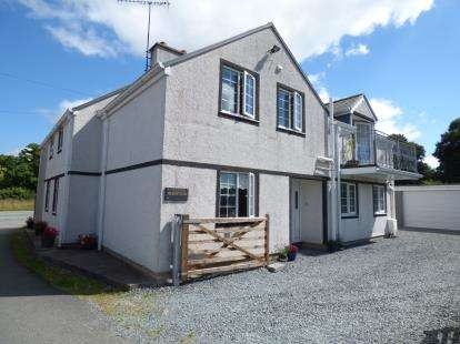 4 Bedrooms Detached House for sale in Hen Efail, Tyn-Y-Groes, Conwy, LL32