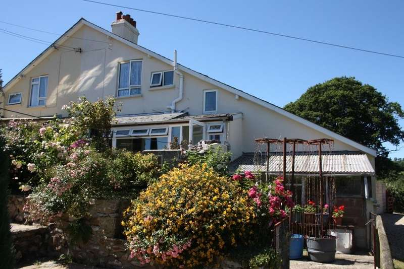 3 Bedrooms Semi Detached House for sale in Farway, Colyton