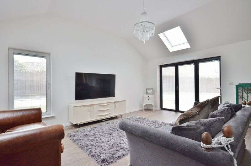3 Bedrooms Detached House for sale in Wentworth Park, Workington