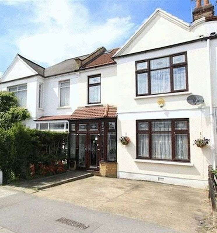 4 Bedrooms Terraced House for sale in Green Lane, Ilford, Greater London, IG3