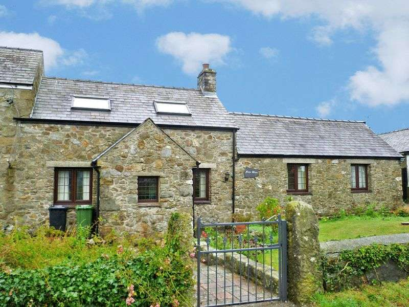 3 Bedrooms Semi Detached House for sale in Pencriagwen