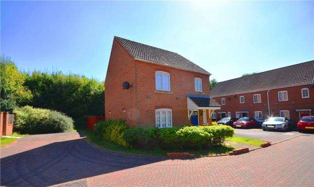 3 Bedrooms Detached House for sale in 73 Causton Road, Beggarwood, Basingstoke, RG22 4QQ