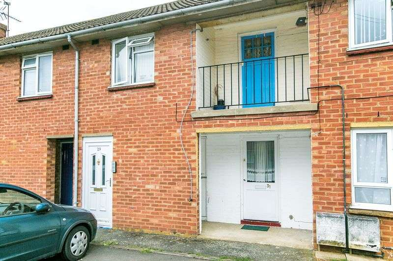2 Bedrooms Property for sale in Boundary Crescent, Milton Keynes