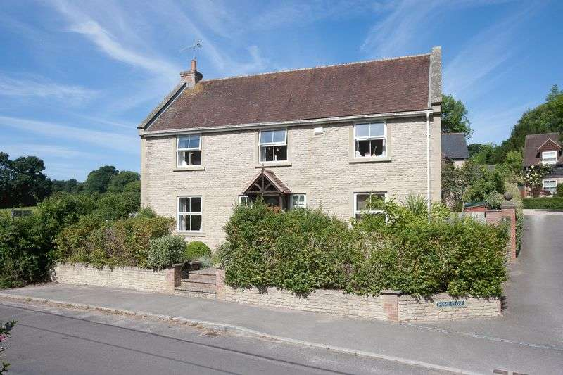 4 Bedrooms Detached House for sale in Sutton Road, Fovant