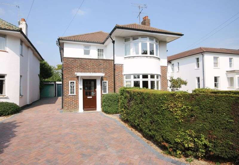 4 Bedrooms Detached House for sale in Park Road, Burgess Hill, West Sussex,