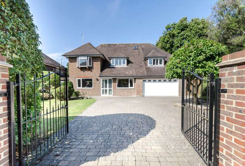 5 Bedrooms Detached House for sale in Aldsworth Avenue, Goring By Sea, Worthing, BN12