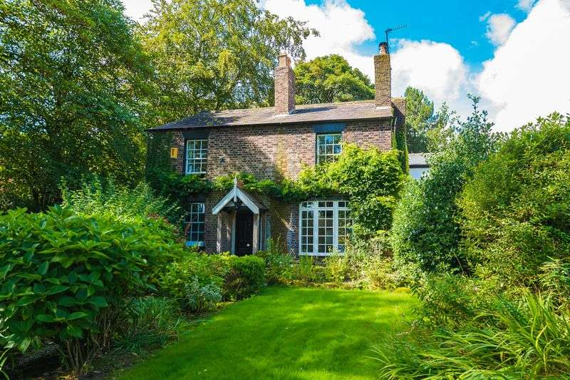 5 Bedrooms Detached House for sale in Mill Lane, Aughton