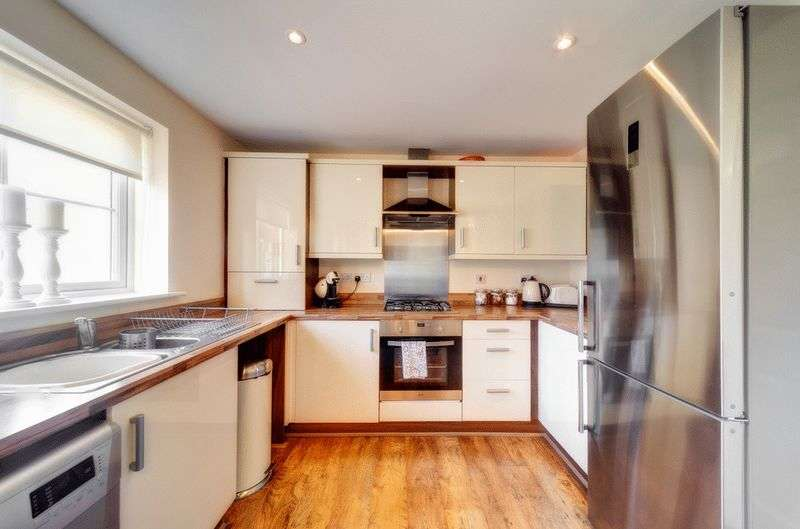 3 Bedrooms Semi Detached House for sale in Dolphin Grove, Blyth