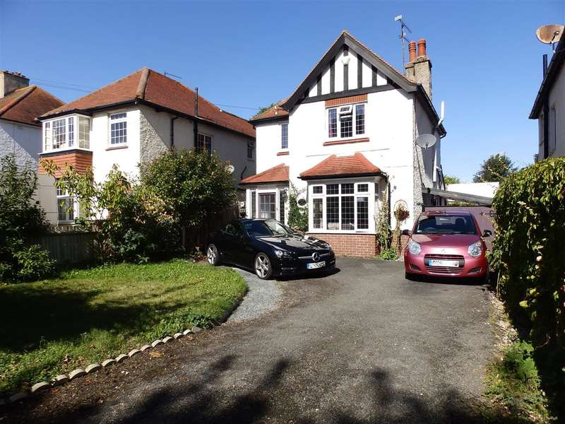 3 Bedrooms Detached House for sale in Park Avenue, Eastbourne