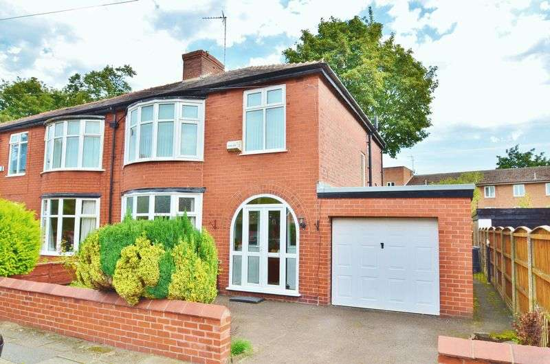 3 Bedrooms Semi Detached House for sale in Doughty Avenue, Manchester