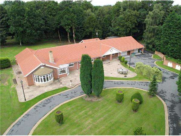 7 Bedrooms Detached Bungalow for sale in Old Rufford Road, Rufford