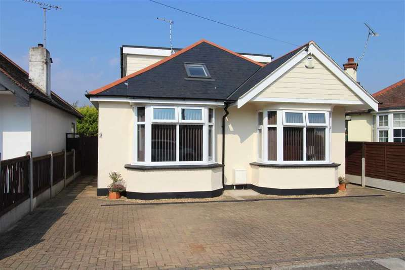 5 Bedrooms Chalet House for sale in Tennyson Close, Leigh on Sea