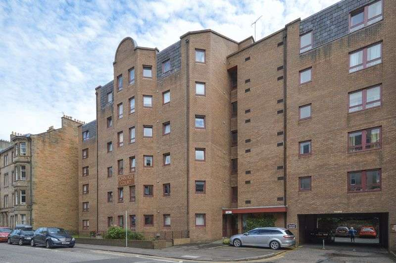 2 Bedrooms Flat for sale in 42/31 Polwarth Gardens, Polwarth, Edinburgh, EH11 1LN