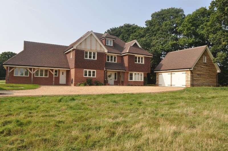 5 Bedrooms Detached House for sale in Hayes Lane, Horsham
