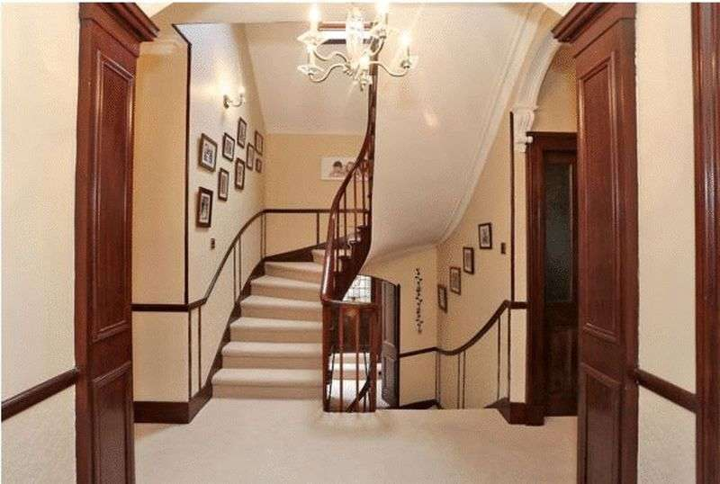 7 Bedrooms Detached House for sale in Main Street, Ellon