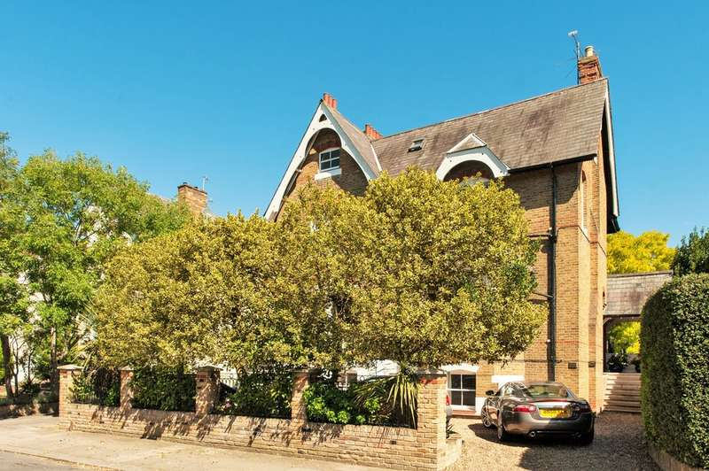 10 Bedrooms Detached House for sale in Gloucester Road, Middlesex