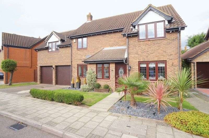 4 Bedrooms Detached House for sale in Maple Leaf Drive, Sidcup, DA15 8WG