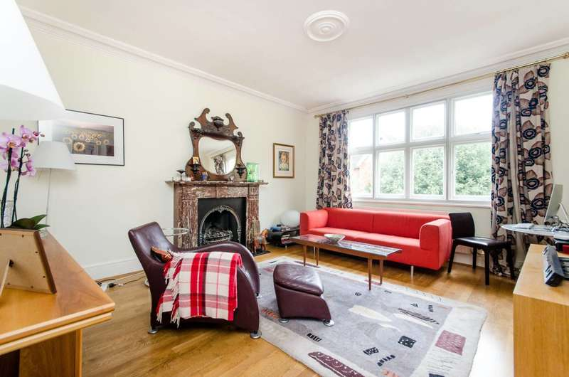 Flat in  Ridgway Gardens  London  SW19  Wimbledon