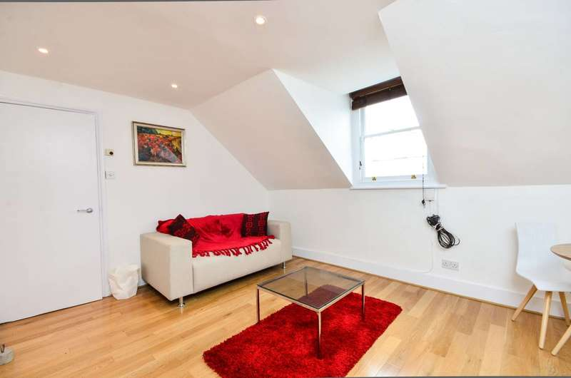 Flat in  Redcliffe Gardens  London  SW10  Chelsea
