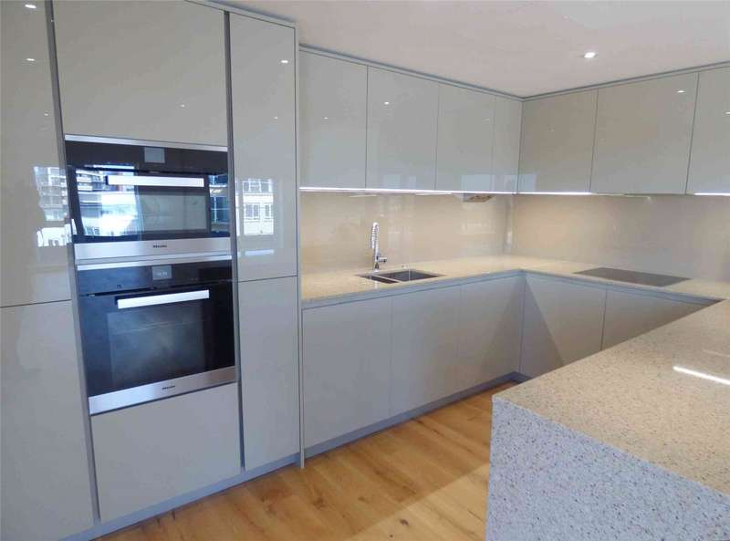 Flat in  Boulevard Drive  London  NW9  Richmond