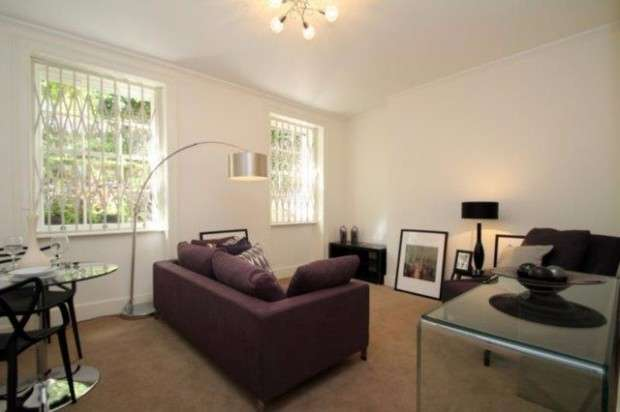 Flat in  Finchley Road  St. Johns Wood  NW8  Richmond